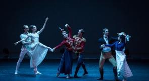 c_295_160_16777215_00_images_tours_mariinsky_theatre_10.jpg